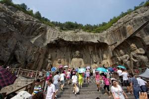 Fengxian Mağarası, Buda ve diğer heykeller
