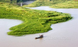 Shibaozhai'den görünen nehir manzarası.