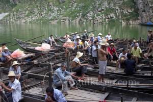 Shennong Nehri'nde Tujia kürekçileri